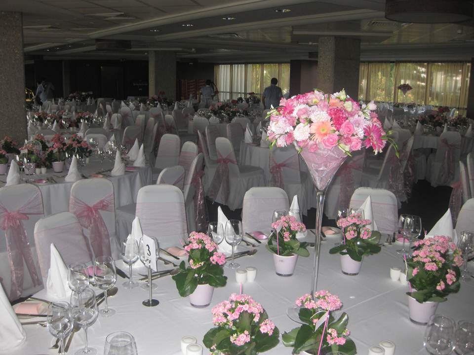 Table arrangements for Table arrangements